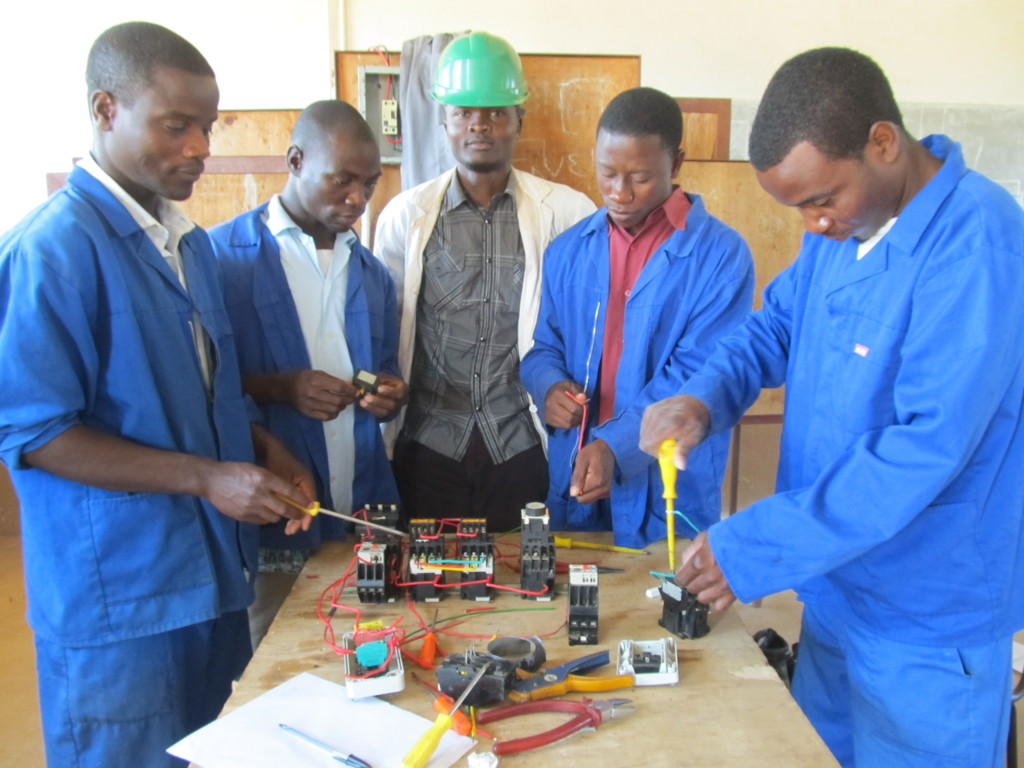 Elias Mpinga wt his students