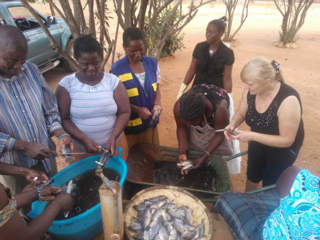 Bruna doing what she does best: working with Nankhombe women