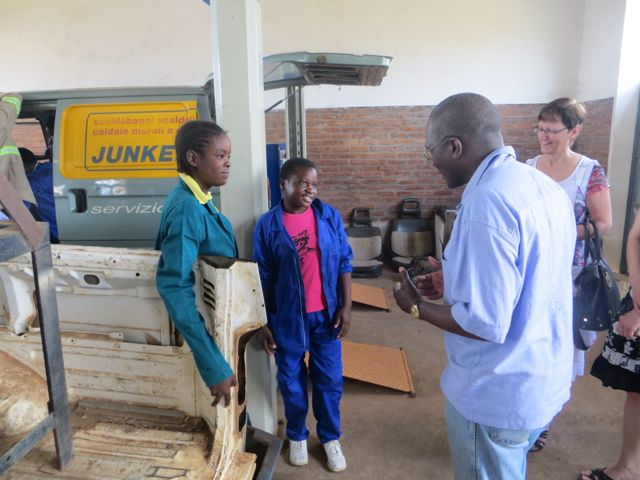 A chat with two ladies doing Motor Vehicle Mechanics