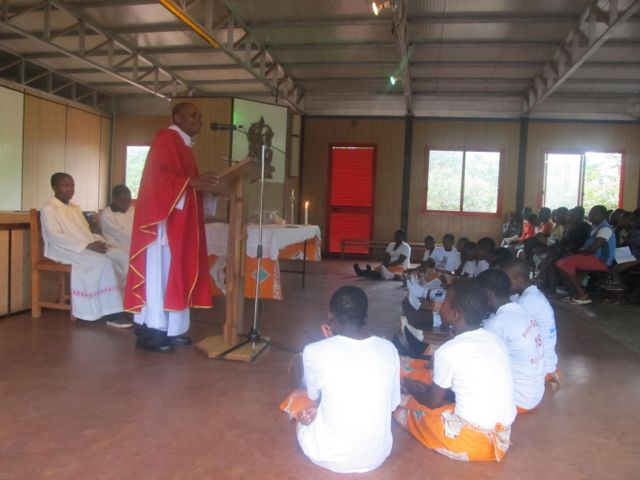 Fr. Ronald during the mass on Thursday