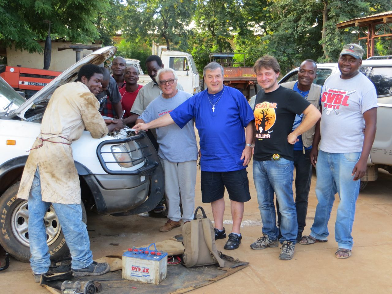 Fr. Mario, Manuel Todeschini (President of Orizzonte Malawi), Augustino and the Andiamo staff