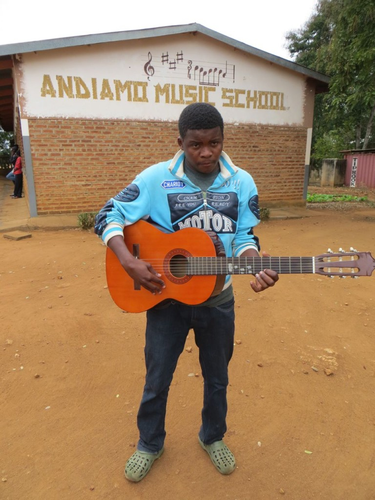 Jackomino Murowa with his guitar